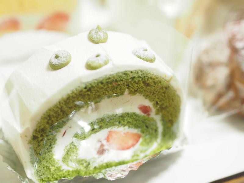 maccha no roll cake