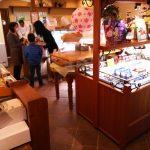 【人気商品はちびたまシュー!香川県綾川町のケーキ屋・Showado】「赤レンガ」など季節限定スイーツもあり!